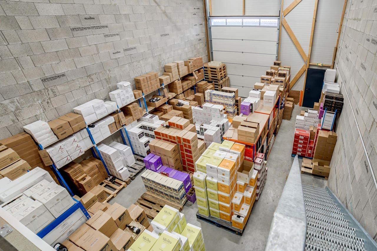 Unternehmereinheit-Lager-mit-büro-mieten-Storage24.-